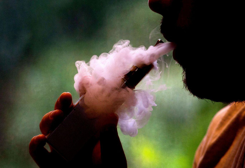 Elektroniskās cigaretes ir divreiz efektīvākas par citām smēķēšanas atmešanas metodēm