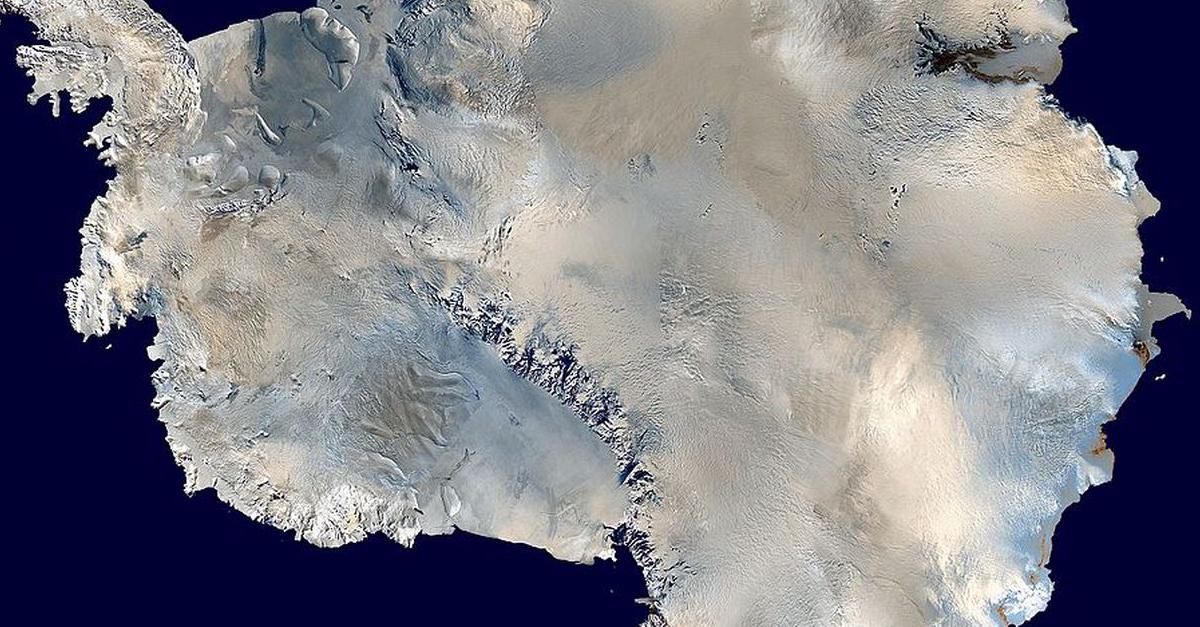 Antarktīdas rietumos izurbts vairāk nekā divus kilometrus dziļš caurums