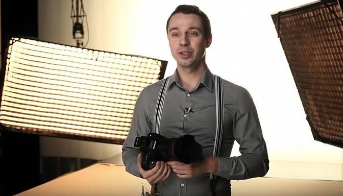 Bilžu lielmeistars Aleksandrs Sokolovs māca, kā pārgulēt ar modeli