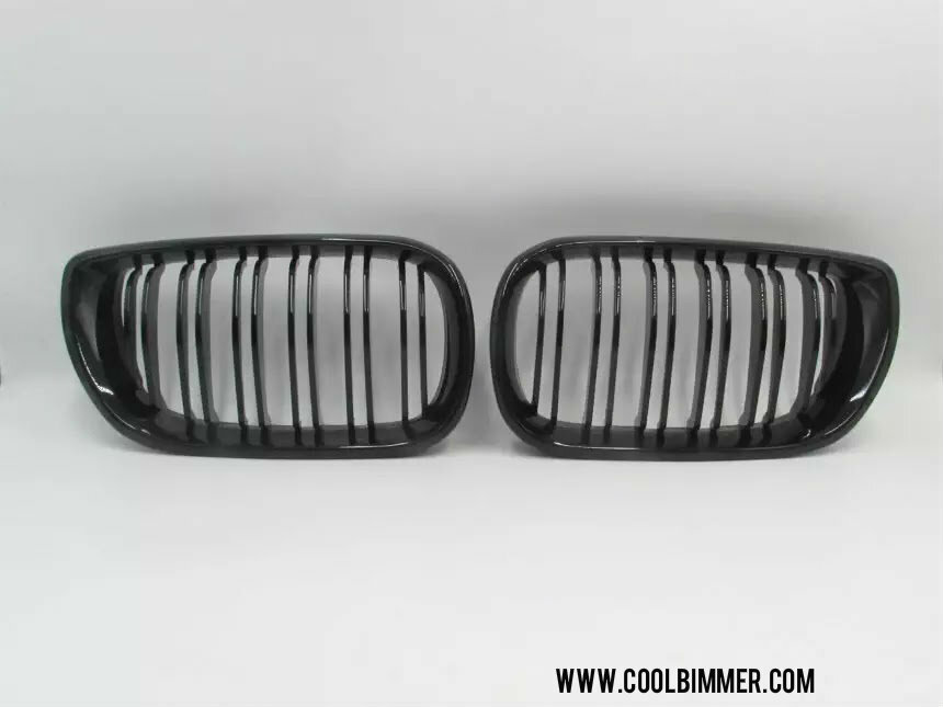 inbox.lv/albums/s/sandiszalcmanis/20-03-2019-2/SKU-2259-GRILLE-BMW-E46-FACELIFT-DOUBLE-SLATS-GLOSSY-BLACK-1.sized.jpg?1553111467